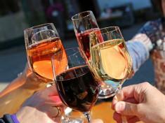 Prosecco und Wein_Fotolia_110084557.jpg